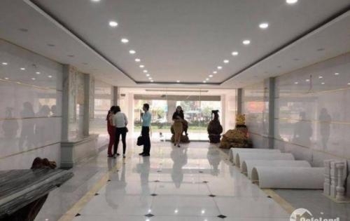 Cho thuê văn phòng 160m2 thông sàn mặt phố Trần Quốc Hoàn giá chỉ 23tr