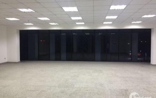 Văn phòng cho thuê 35m2, Giá 11.2 triệu ( Bao Phí) Cách mạng tháng 8, quận 3