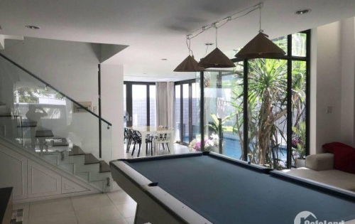Cần cho thuê biệt thự Phú Mỹ Hưng, vừa ở vừa làm văn phòng, nhà mới, vị trí đẹp. LH 0909.495.001