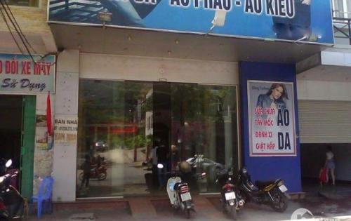 Cho thuê nhà mặt phố Hồ Tùng Mậu, S: 120m2, 2T, MT 7.7m. LH 01629084485