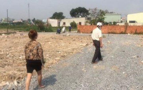 Bán đất Phạm Văn Sáng, Vĩnh Lộc A ngay ngã tư Quách Điêu, DT 5x18m(630TR)xây dựng ngay khi mua đất