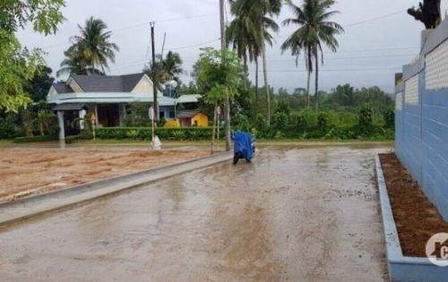 Phú Quốc – Ca sĩ Quang Khánh là khách hàng đầu tiên của đợt chiết khấu khủng đất nền mặt tiền đường Cây thông ngoài giá rẻ.