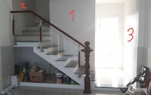 Cho thuê gấp nhà số 193 ĐIỆN BIÊN PHỦ cạnh trường ĐH Hồng Bàng DT:4x14m 4 lầu