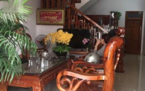 Cần bán nhà 2 tầng 2 mê MT Trần Huy Liệu, Khuê Trung, Cẩm Lệ