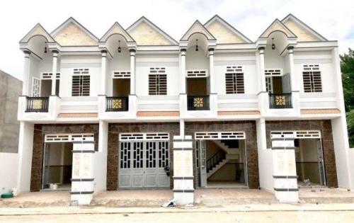 Cần bán căn nhà phố 1 trệt 1 lầu ngay gần chợ Bình Chánh, giá ưu đãi cho người thiện chí