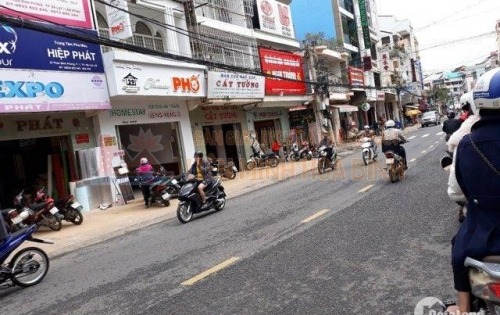 Cần bán gấp khách sạn đường Phan Đình Phùng - Phường 2 - Đà Lạt