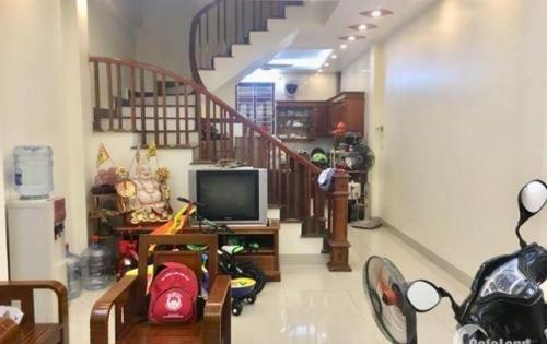 Bán nhà phân lô phố Tôn Đức Thắng, 35m2, 5T, 3.5 tỷ.