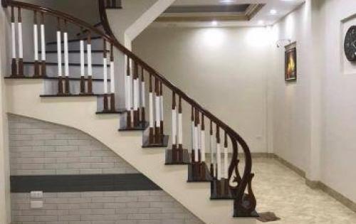 Bán nhà mới Nguyễn Phúc Lai, DT 28m2, 5 tầng, MT 4,7m, 2.7 tỷ.