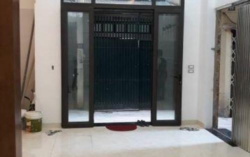 Bán nhà Hào Nam, cực đẹp, 41m2 giá chỉ 4.5 tỷ