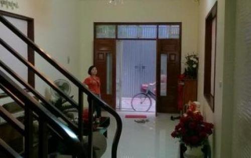Bán nhà riêng ngõ ô tô đỗ cửa tại Bạch Mai, 30m2 x 5 tầng, giá 3,3 tỷ