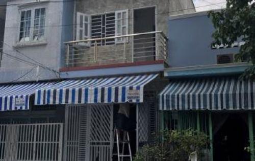 Bán nhà dt 4x14 mặt tiền đường Nguyễn Hữu Trí gần UBND Tân Túc 1 lầu có sổ giá 2,3 tỷ thương lượng