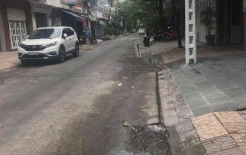 Bán gấp nhà đường Hòa Hảo, Nguyễn Tri Phương 5.2x13m, giá 10.6 tỷ