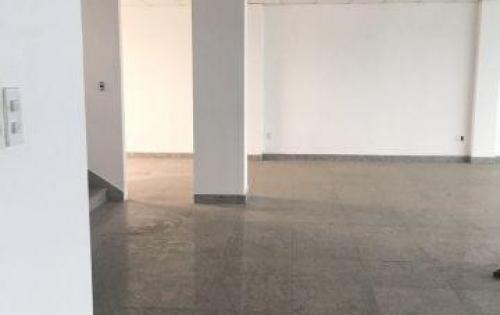 Cho thuê Tầng trệt tòa nhà mặt tiền Cách Mạng Tháng 8, quận 3, ngang 12m