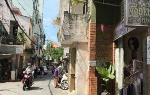 Bán nhà Q.3, Trần Quang Diệu, nhỉnh 70tr/m2, 75M2. LH: 0938872592.