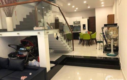 Tôi kẹt tiền cần bán gấp nhà đẹp Trần Quang Diệu, 70m2 6,5 tỷ 4 lầu nhà đẹp.