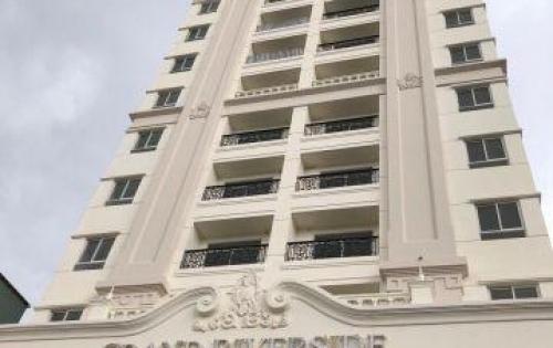 Bán căn 2PN MT Bến Vân Đồn, giá 3.6 tỷ (đã VAT, PBT) tặng fullz bếp Mobalpa. LH: 0903086200