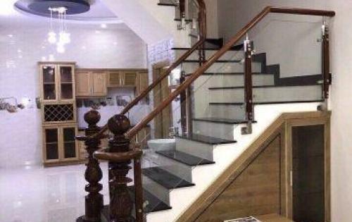 Cần bán nhanh nhà trệt 3 lầu hẻm 1027 Huỳnh Tấn Phát, Phú Thuận, Q7