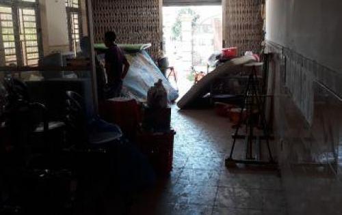 Bán nhà mặt tiền dt sàn 389m2, 7.2 tỷ đối diện khu chợ Long Phước,Q9
