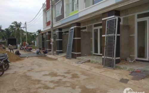 nhà liên kế 1 trệt 2 lầu nằm trong dãy nhà kiên cố thuộc cung đường Nguyễn Xiển