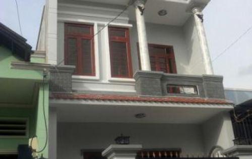 Bán gấp nhà 1 trệt 1 lầu gần chợ Bình Long, đường trước nhà rộng rãi, Sổ hồng chính chủ