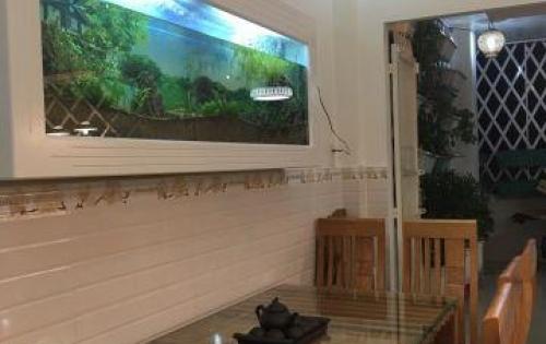 Gia đình cần tiền bán gấp nhà Phan Đăng Lưu, P.5, Q.PN. Giá 4.8 Tỷ