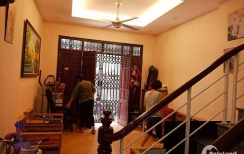 Cần bán nhà tại làng bún phú đô ngõ 115/8 xây 2011.
