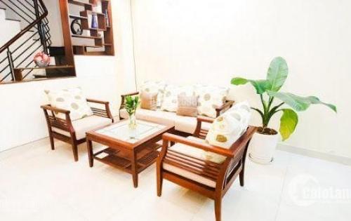 Cho thuê gấp nhà mặt tiền đường Hoa Lan P7 Quận Phú Nhuận.