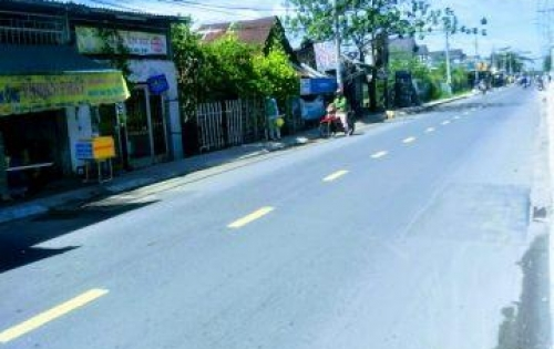Nhà em cần bán lô đất ngay mặt tiền đường Lê Văn Lương, Nhà Bè diện tích 551m2, giá 22tr/m2.
