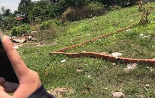 Chính chủ tôi cần bán lô đất mặt tiền đường lê trọng tấn, đất có sổ hồng riêng, xây dựng tự do