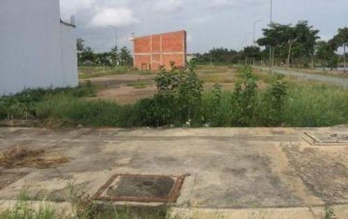 Cần bán gấp mảnh đất gần công viên Ba Vân, Tân Bình