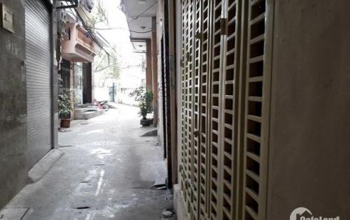 Bán nhà gấp nhà Trần Khát Chân. DT gần 30m2, Giá 2 tỷ.