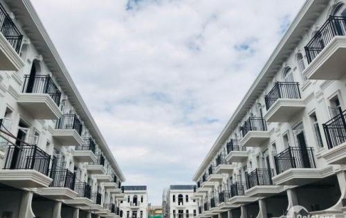 Biệt thự Pháp ngay trung tâm Đà Nẵng, S:244m2,nở hậu 6m giá chỉ 100 triệu đồng, chiết khấu cực cao