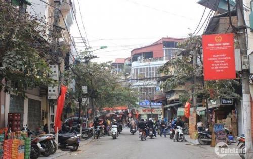Nhanh xem kẻo lỡ nhé: Nhà Nguyễn Chính (Tân Mai), DT 39 m2, ô tô đỗ cửa, tiện kinh doanh. Nhanh tay mua. Giá 4,1 tỷ.
