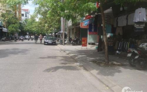 Bán nhà mặt tiền kinh doanh đường Phan Bội Châu, chưa qua chợ Bến Ngự