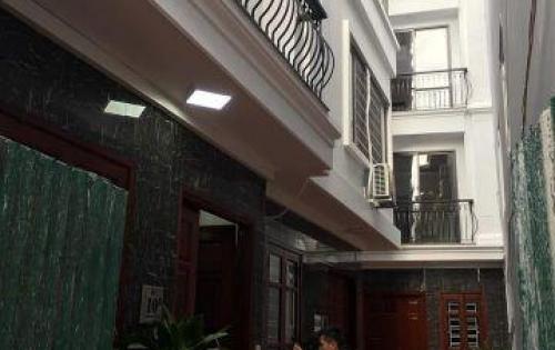Chính chủ cần bán căn nhà mặt phố  tại Nguyễn Văn Cừ gần Bến xe Gia Lâm lh 0962625154