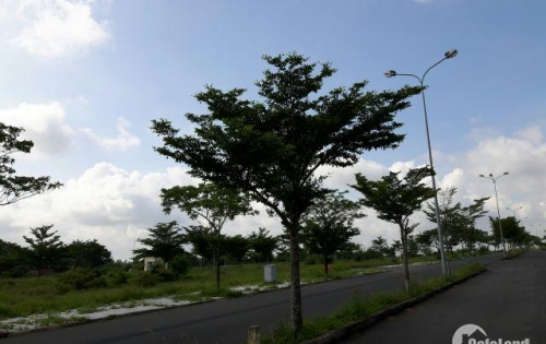 Bán lô đất Vip, vị trí Vàng Trung tâm Long Thành giá 700tr/100m2-Lh 0903543132
