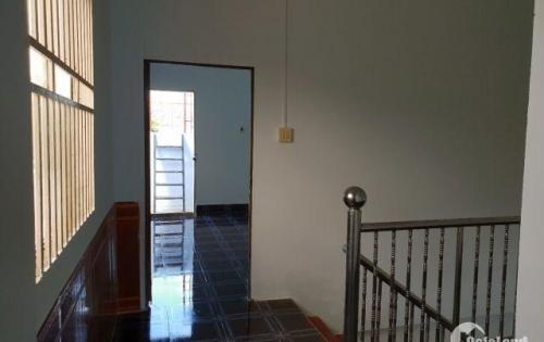 Bán nhà lầu đúc hẻm 152 CMT8 , phường Cái Khế , quận Ninh Kiều .
