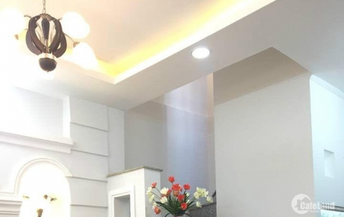 Du học bán nhà Lê Văn Sỹ, 6,30 x 13,50 m, giá 12 tỷ .
