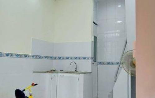 Bán nhà đẹp hẻm rộng Lý Thường Kiệt, 28m2, giá 3 tỷ (TL).