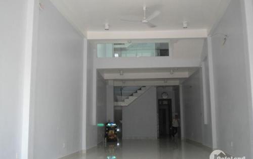 Tôi cho thuê văn phòng 180m2 mặt tiền 8m ốp kính, số 47 Nguyễn Xiển, Quận Thanh Xuân,  giá chỉ 25tr