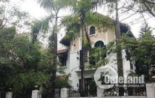 Cho thuê biệt thự Nguyễn Thị Định Khu Trung hòa Nhân chính giá 2700 $/ th