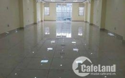 Chính chủ cho thuê 500m2 mặt bằng tầng 1 mặt phố Duy Tân, quận Cầu Giấy,giá chỉ 250k