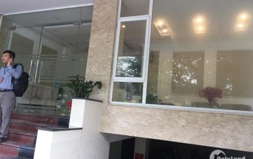 Cho thuê tầng 1 MP Nguyễn Khang phù hợp làm của hàng giới thiệu sản phẩm, Nail, shop quần áo