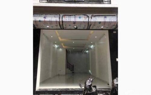 Nhà 5 tầng mặt phố Ngô Gia Tự cực đẹp để kinh doanh, giá 15 triệu