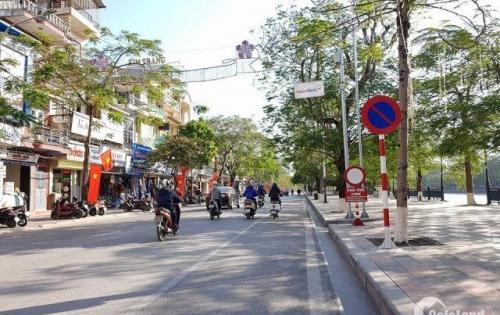 Cho thuê vị trí kinh doanh đẹp ( 9x17)m phố Đà Nẵng, phù hợp với mọi ngành nghề kinh doanh.