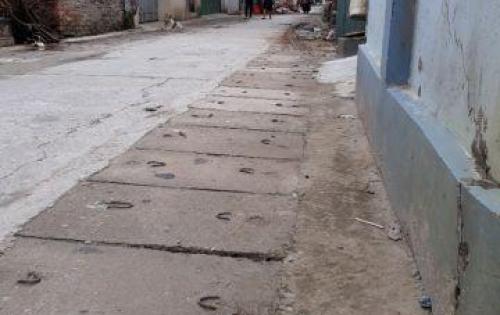 Chính chủ bán lô đất đẹp vuông vắn nằm trên đường Thanh Lãm, Phú Lãm, Hà Đông, Hà Nội
