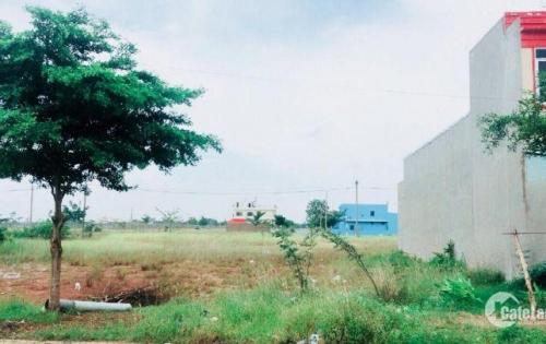 Kẹt tiền bán gấp lô đất,SHR 8tr/m2,mặt tiền Trần Văn Gìau