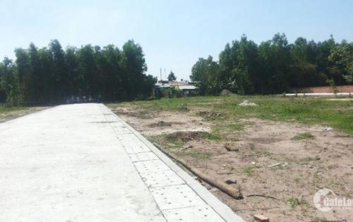 Sở hữu đất thổ cư 100%, SHR ngay mặt tiền 30m, TL 826, Đinh Đức Thiện nối dài, 600 triệu/nền