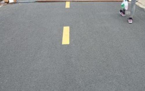 Cần bàn giao gấp nền đất như trong hình, mặt tiền đường 25m khu dân cư đông