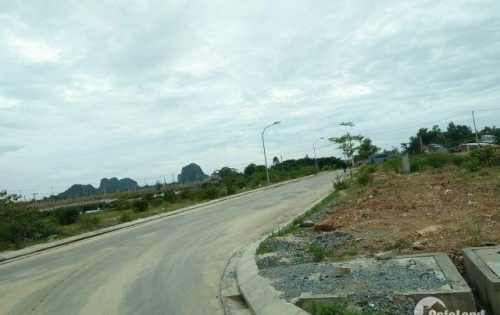 Ra đi lô đất biệt thự ven sông 148m2 , đã có sổ  ngay trục đường Minh Mạng